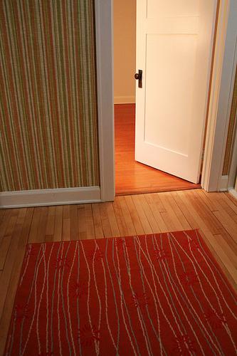 shutting doors helps prevent mould